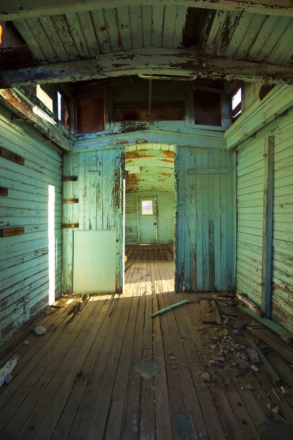 Покинутый интерьер поезда стоковое фото