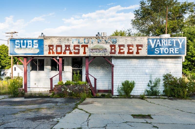 Покинутый магазин в Northfield, Мейне стоковые фотографии rf