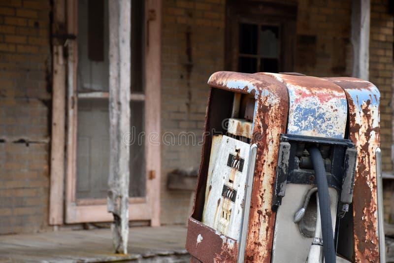 Покинутый магазин страны стоковая фотография
