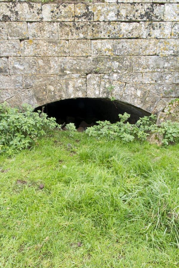 Покинутый мост-водовод стоковые изображения rf