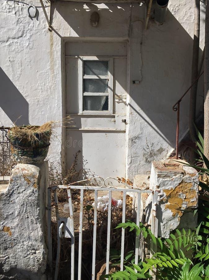 Покинутый строб дома ржавый стоковое изображение rf