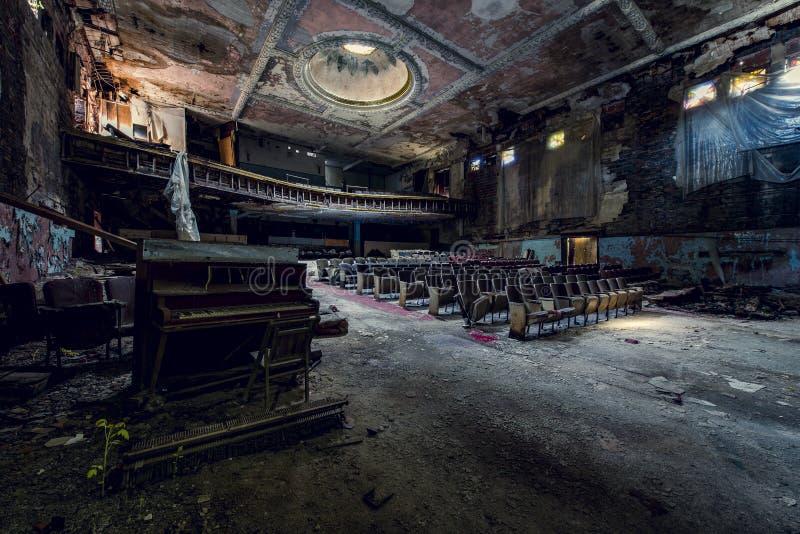 Покинутый театр - буйвол, Нью-Йорк стоковые изображения rf
