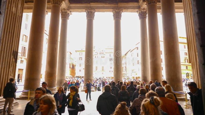 Download Покидать пантеон со своими известными столбцами в исторический район Рима Редакционное Изображение - изображение насчитывающей ведущего, урбанско: 81809245