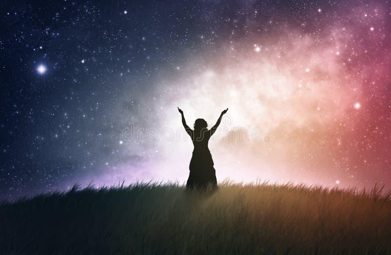 Поклонение на ноче стоковые изображения rf