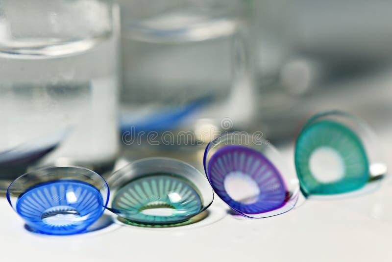 Покрашенные контактные линзы стоковая фотография