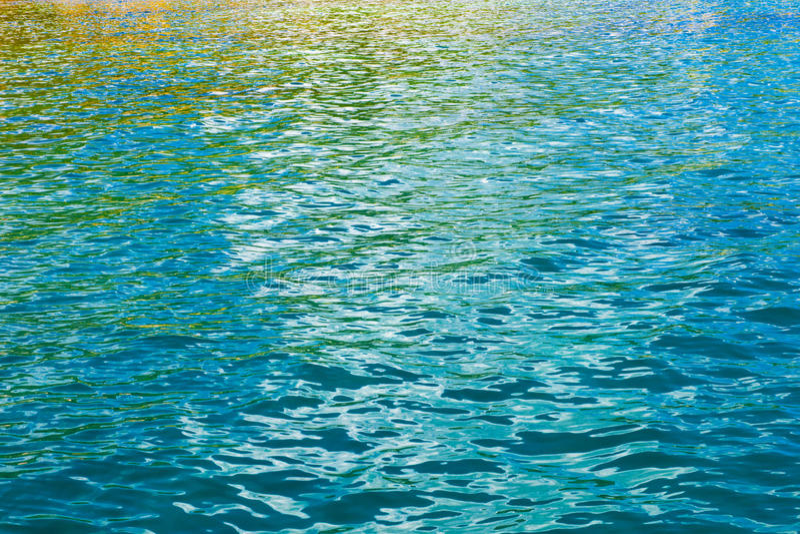 Покрашенные отражения воды стоковые фото