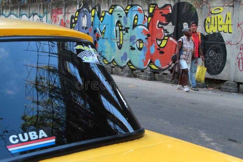Покрашенные стены в Гаване стоковые изображения