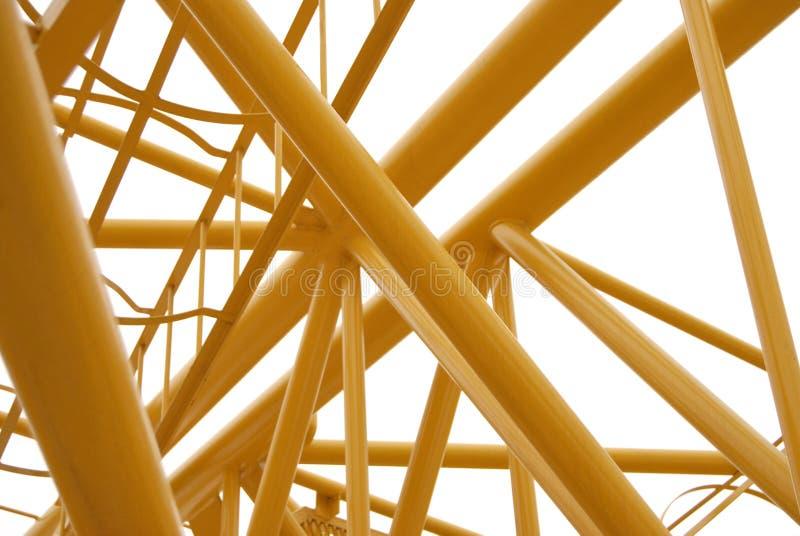 покрашенный желтый цвет ферменной конструкции spase металла стоковая фотография