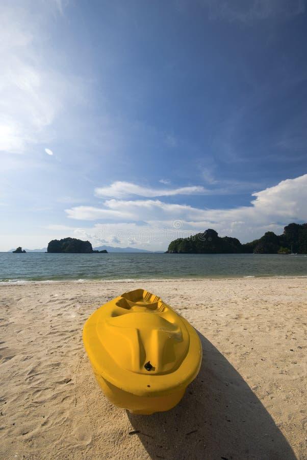 покрашенный желтый цвет kayak стоковое фото rf
