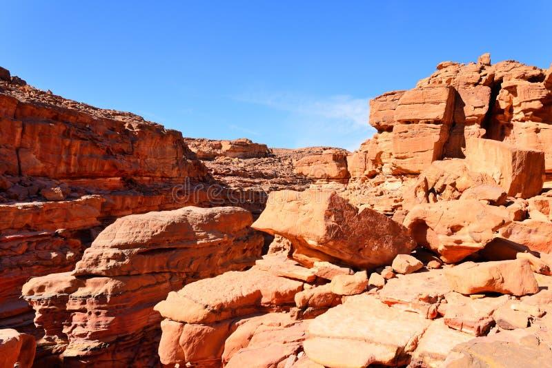 Покрашенный каньон в пустыне Синая, Египет стоковая фотография rf