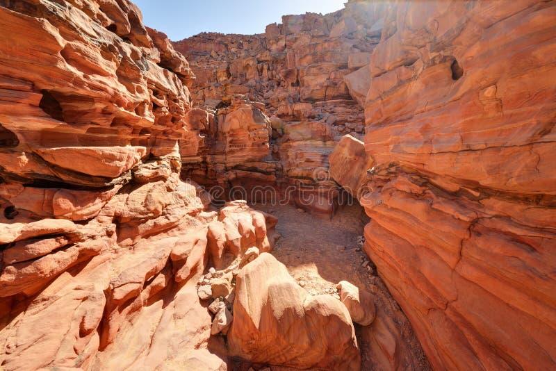 Покрашенный каньон в пустыне Синая, Египет стоковые фотографии rf