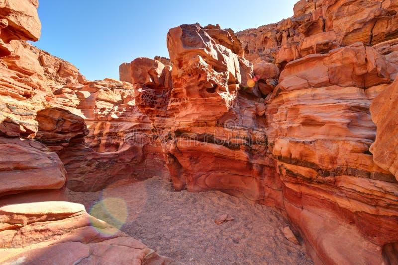 Покрашенный каньон в пустыне Синая, Египет стоковые изображения