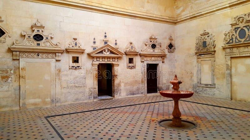 Покрашенный фонтан Севильи стоковые фотографии rf