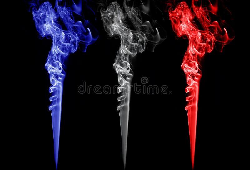 Покрашенный дым. Франция, Голландия, Англия, Норвегия, Польша, чехия, Словения сигнализирует цвета стоковое фото