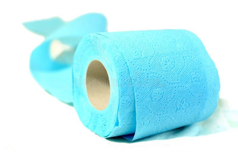 покрашенный cyan бумажный туалет стоковое фото rf