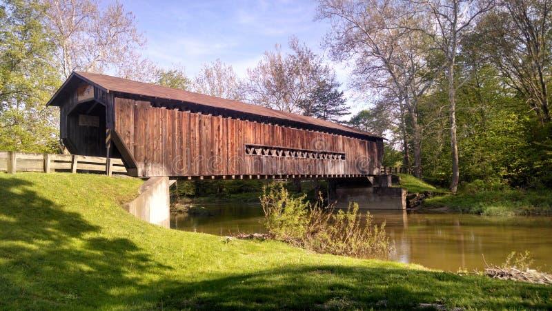 покрытый мост стоковое фото
