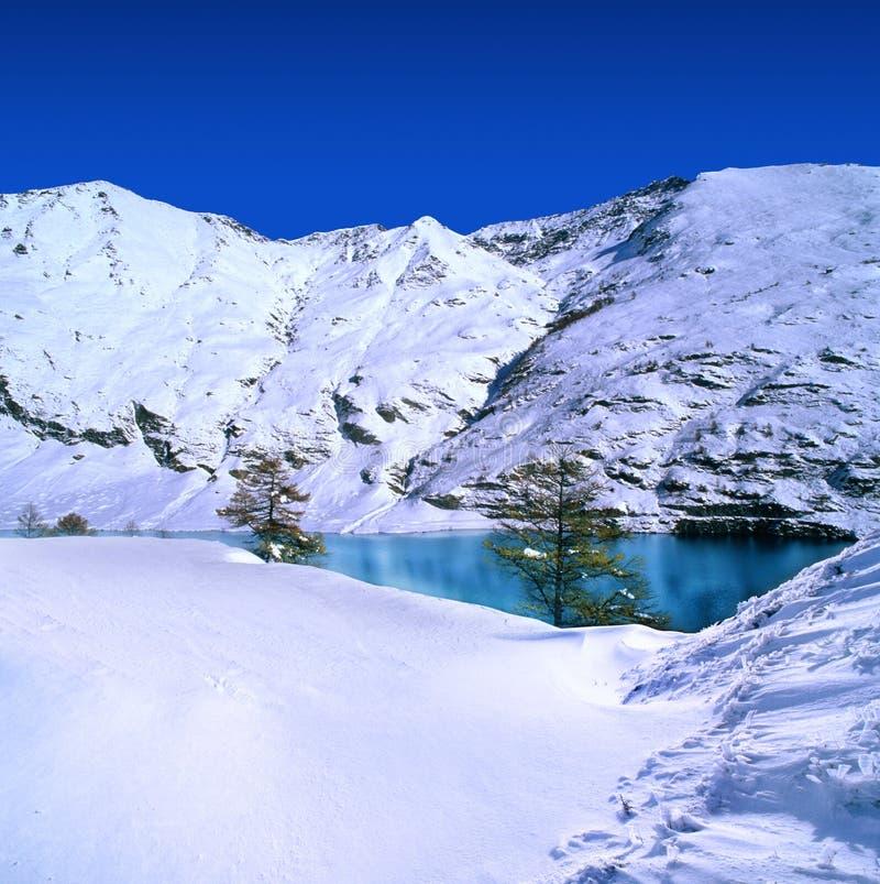 покрытый снежок гор стоковое изображение