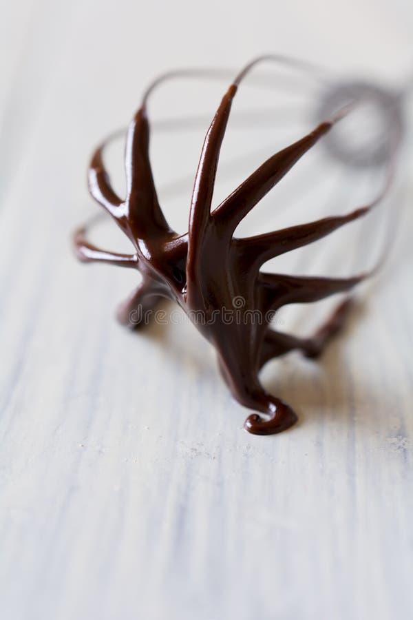 Download покрытый Шоколад юркните макрос Стоковое Изображение - изображение насчитывающей кухня, металлическо: 37927787