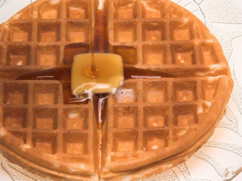 покрытый waffle сиропа стоковые фото
