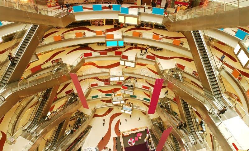 покупка мола самомоднейшая стоковая фотография rf