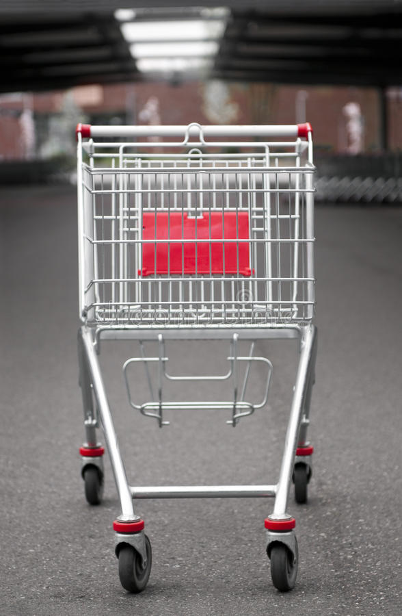 покупка стоянкы автомобилей серии тележки стоковое изображение