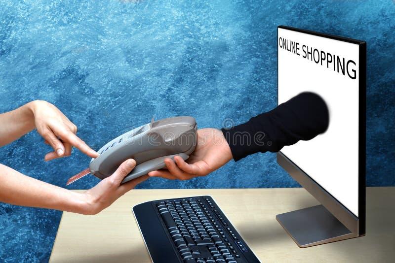 Покупки женщины онлайн стоковые фотографии rf