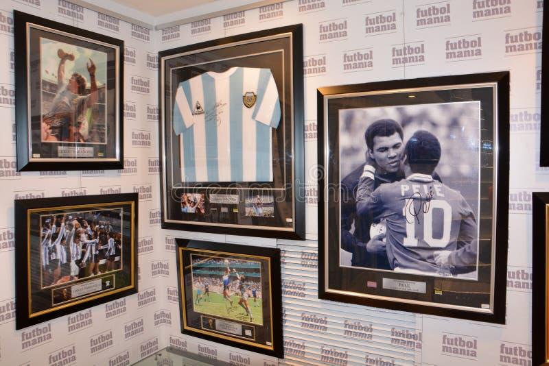 Покупки мании футбола Мадрида стоковые изображения rf