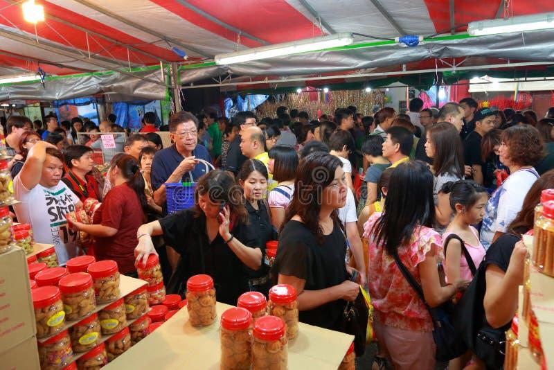 Покупки Нового Года Сингапура Чайна-тауна китайские лунные стоковые фотографии rf
