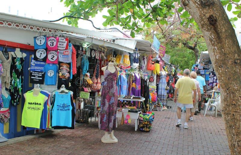 Покупки переулка на Philipsburg, St Maarten, Виргинских островах стоковое изображение