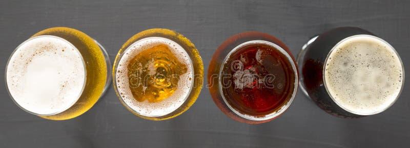 Полет пив, взгляд сверху r r : стоковое фото rf