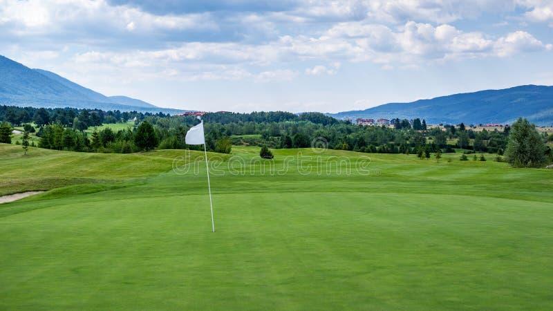 Поле для гольфа горы стоковое фото