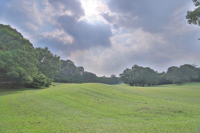 поле для гольфа загородного клуба в Гонконге стоковые изображения