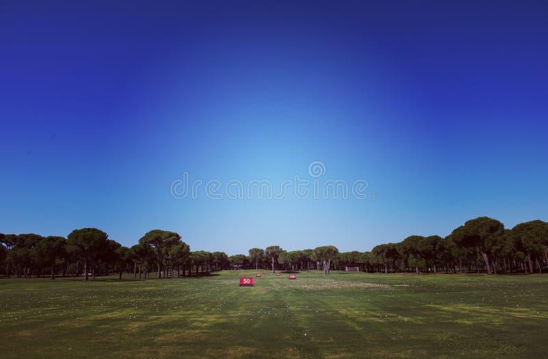 Поле для гольфа тренировки стоковые фото