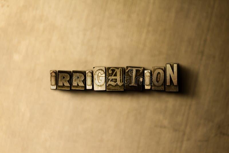 ПОЛИВ - конец-вверх grungy слова typeset годом сбора винограда на фоне металла бесплатная иллюстрация