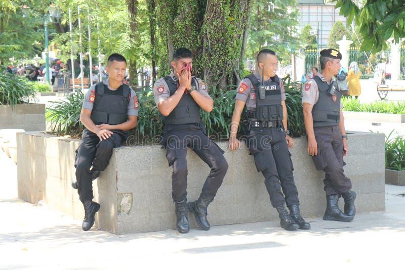 полиция защищает безопасность стоковое изображение rf