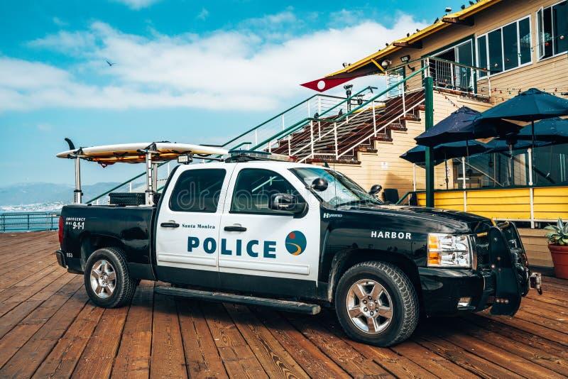 Полиция SUV припарковала на пристани Санта-Моника стоковая фотография