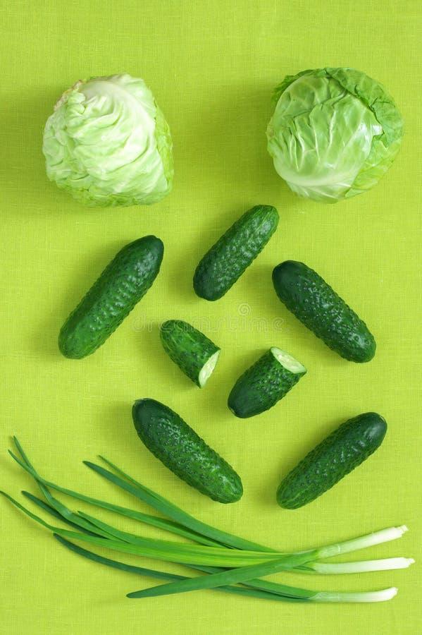 Полный зеленый натюрморт свежих овощей стоковое изображение rf