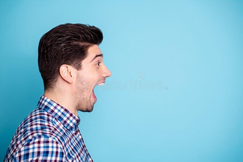Половина повернула портрет студии фото крупного плана красивый шутить шуточный юмористический он он работник работы фрилансера гр стоковая фотография rf