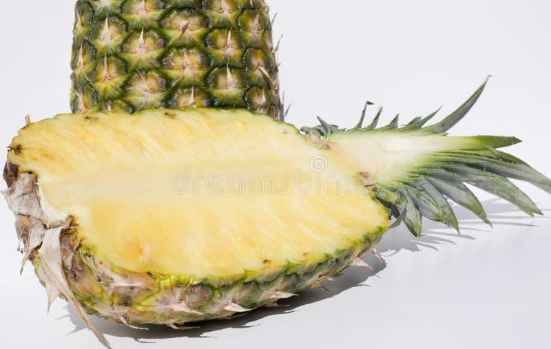 половинный ананас стоковая фотография rf