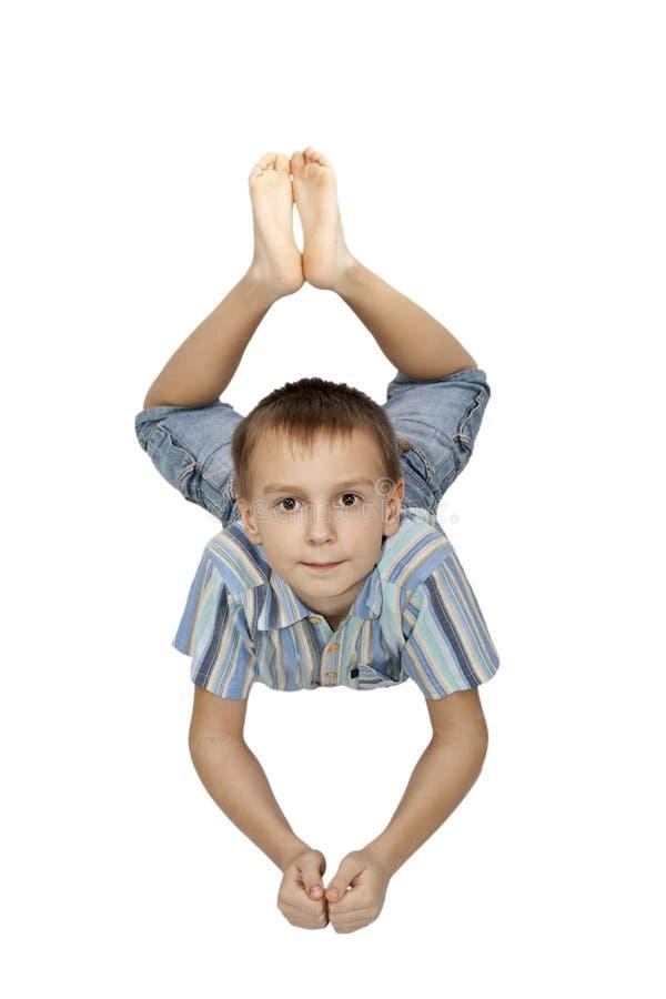 положение пола мальчика стоковое изображение rf