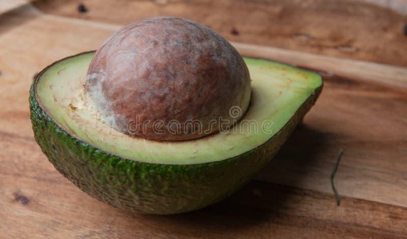 Положения авокадоа фото различные дальше стоковые фото