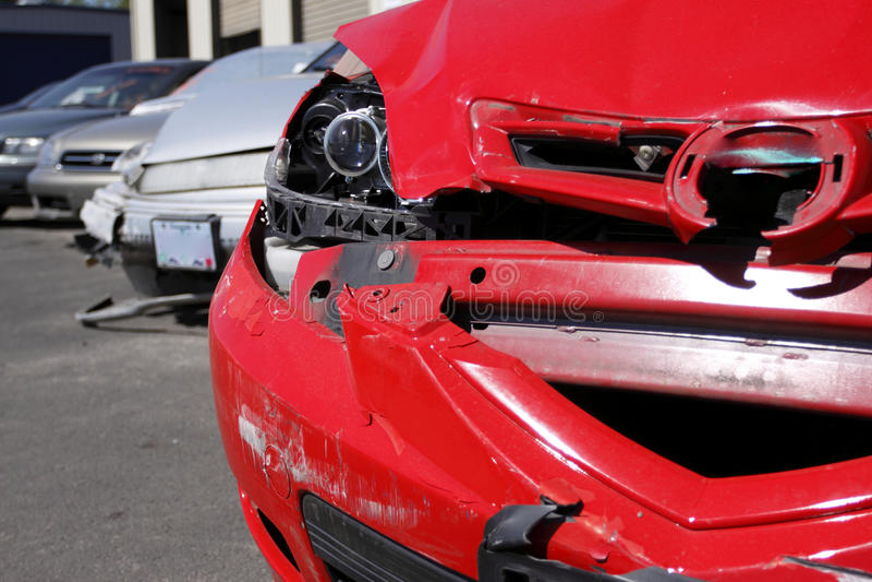 поломанные автомобили стоковое изображение rf