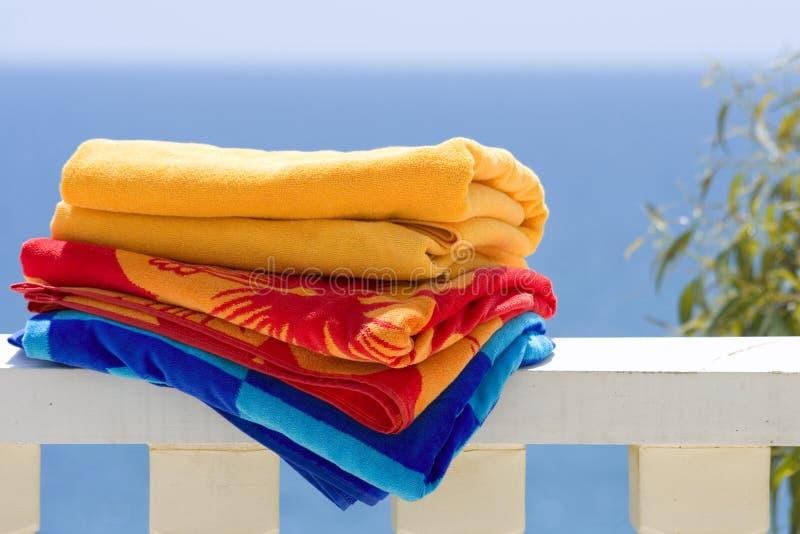 полотенца пляжа стоковые фото