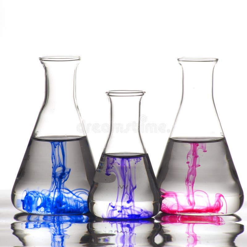 получатель чернил цвета химии стоковое изображение rf