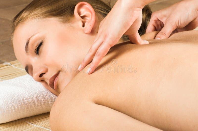 получать женщину массажа стоковое изображение
