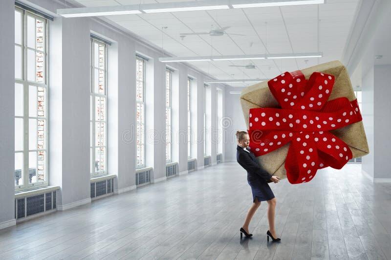 Получать подарок или бонус Мультимедиа стоковая фотография