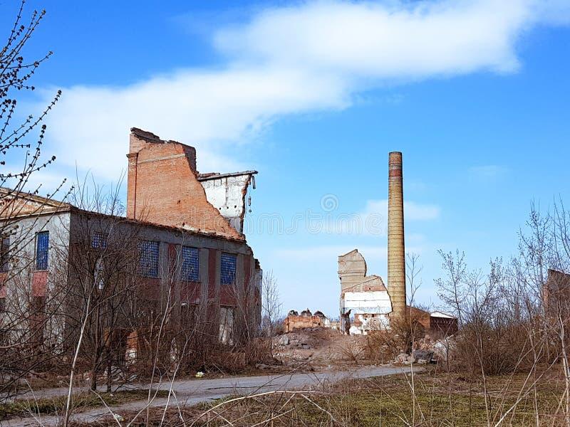 Получившееся отказ здание фабрики около Vinnytsya, Украины стоковые фото