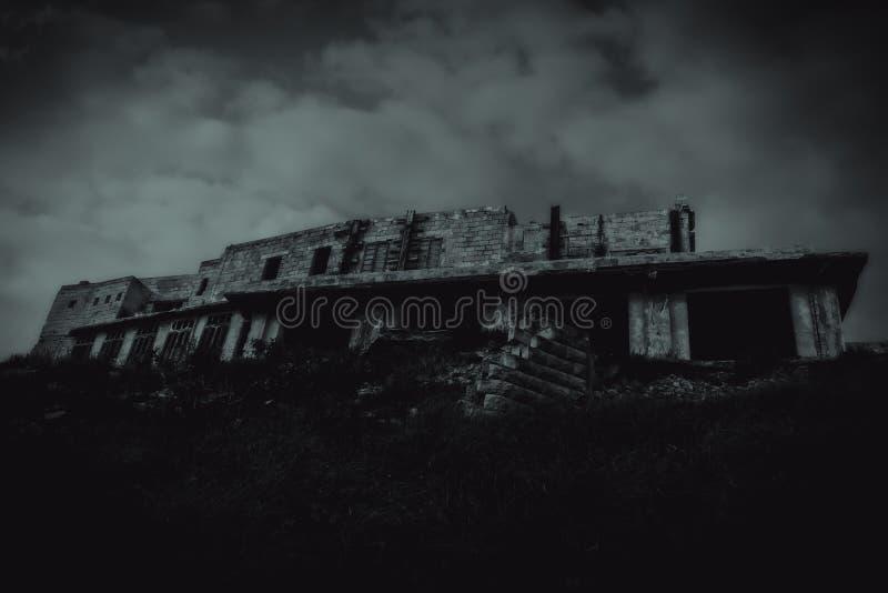 Дом на преследовать холме стоковое фото