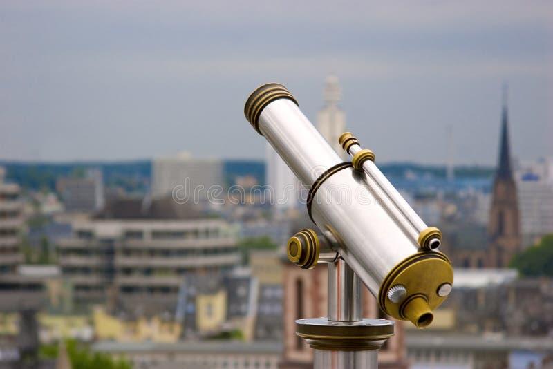 получка mein frankfurt стеклянная смотря в взгляд стоковое фото rf