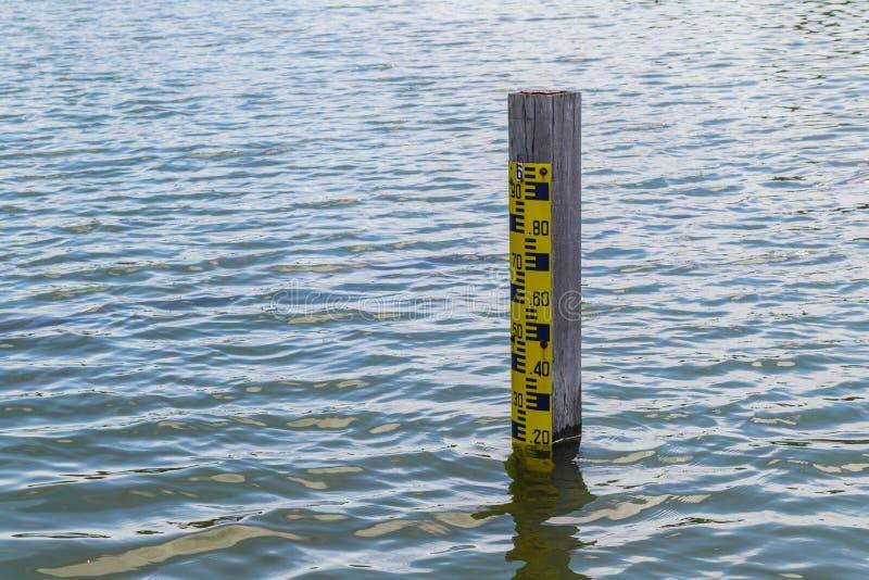 Полюс уровня воды стоковое фото rf